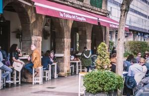 La terraza de Las Tablas del Campillín: Restaurante Oviedo