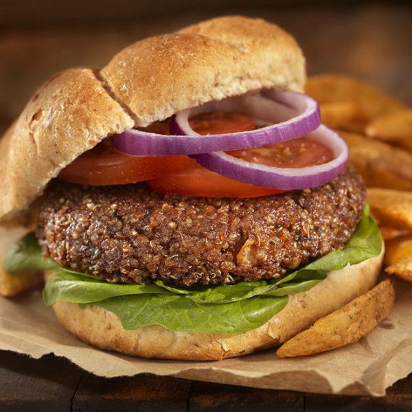 Beyond Burger con patatas fritas